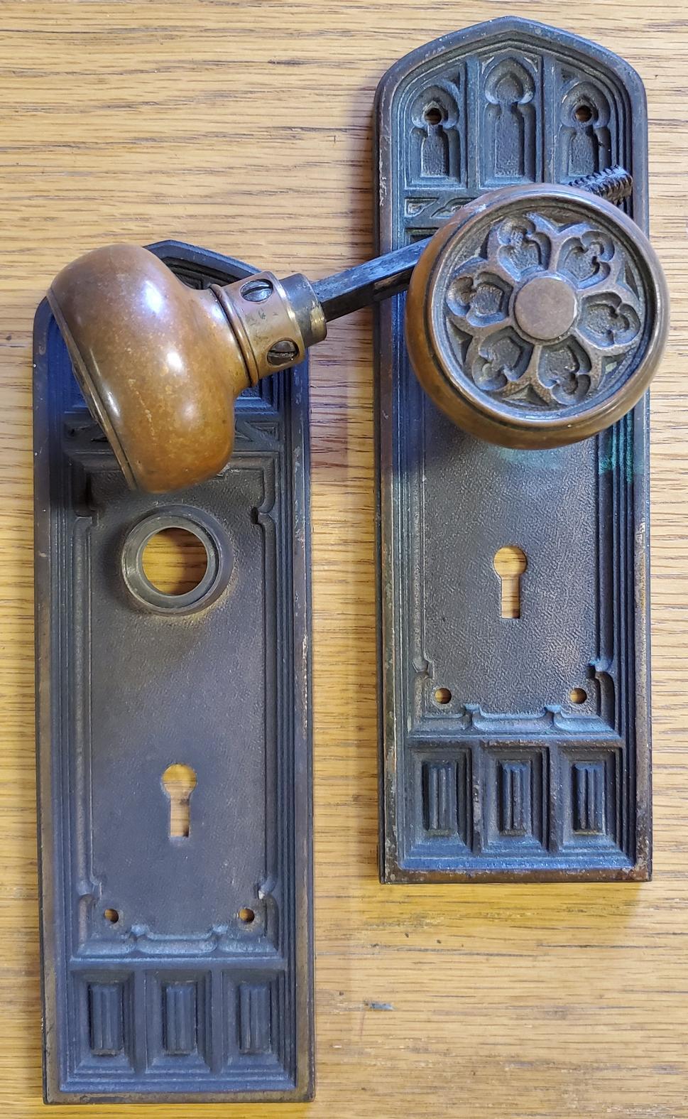 Gothic Doorknob Faceplate Set-s