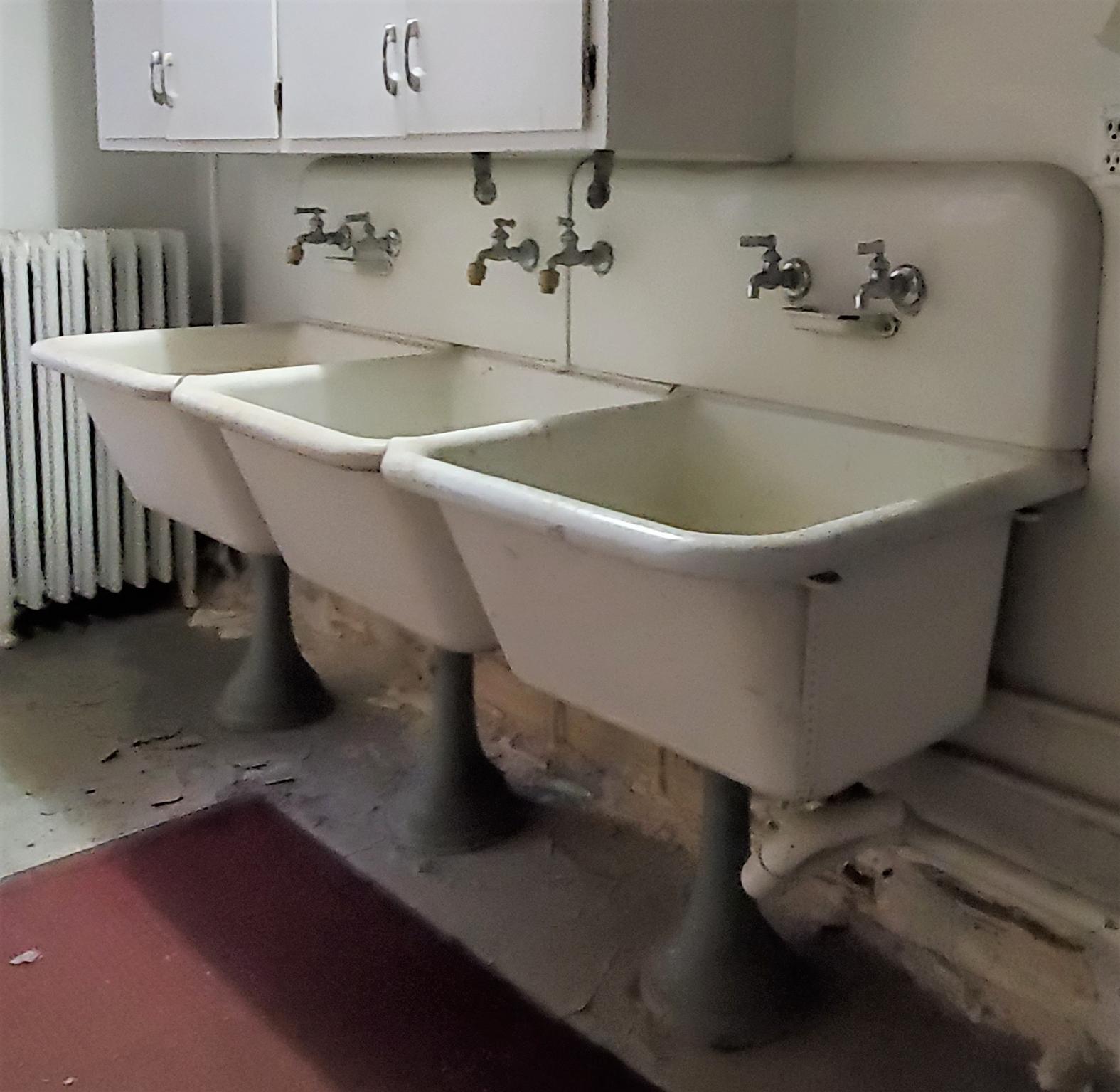 Three Basin Porcelain Cast Iron Sink Set